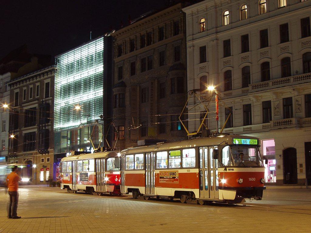 Fotogalerie » ČKD Tatra T3M 1600 | ČKD Tatra T3M 1601 | Brno | střed | náměstí Svobody