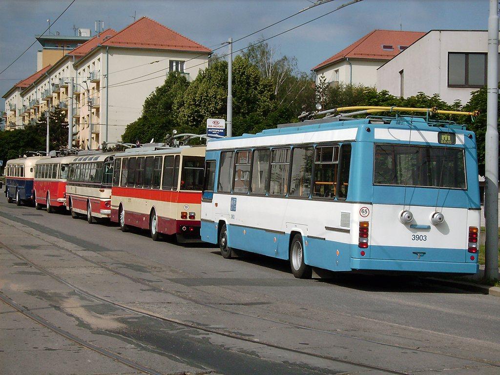 Fotogalerie » Škoda + Karosa 17Tr 3903 | Brno | Královo Pole | Kosmova