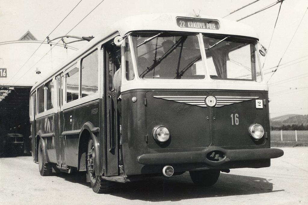 Fotogalerie » Škoda 7Tr4 16 | Brno | vozovna Medlánky