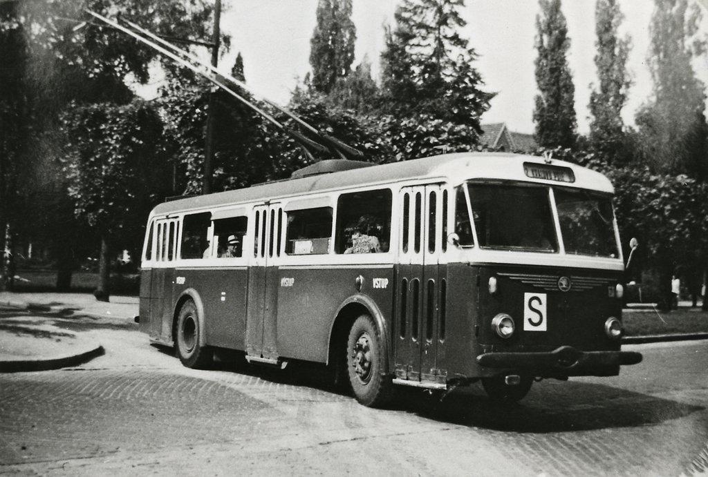 Fotogalerie » Škoda 8Tr9 41 | Brno | Královo Pole | Slovanské náměstí