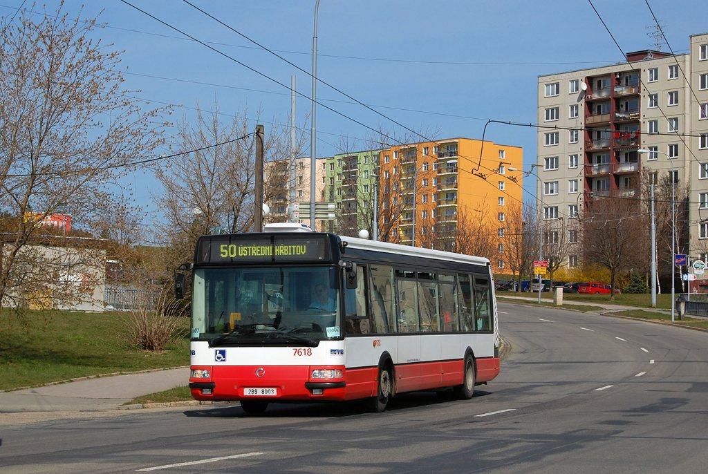 Fotogalerie » Irisbus Citybus 12M 2071.40 7618 | Brno | Starý Lískovec | Osová