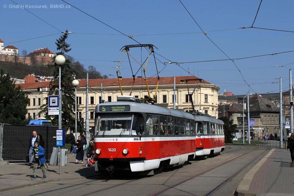 Fotogalerie » ČKD Tatra T3P 1620 | ČKD Tatra T3P 1589 | Brno | Staré Brno | Mendlovo náměstí | Mendlovo náměstí