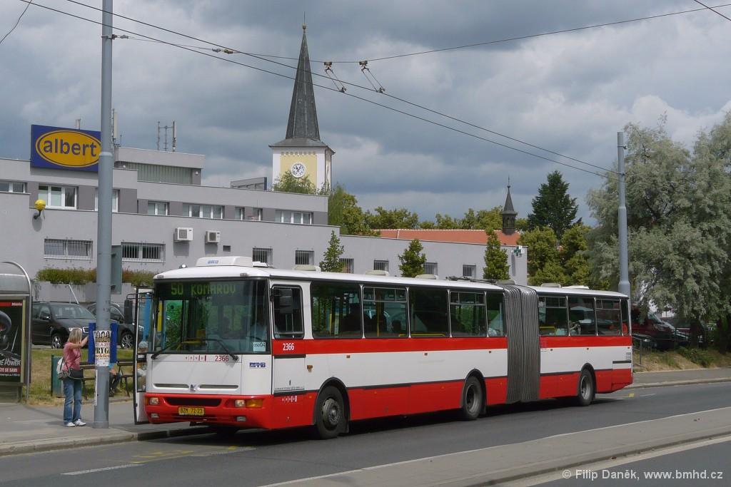 Fotogalerie » Karosa B961.1970 BZM 72-23 2366 | Brno | Bystrc | náměstí 28. dubna | Náměstí 28. dubna