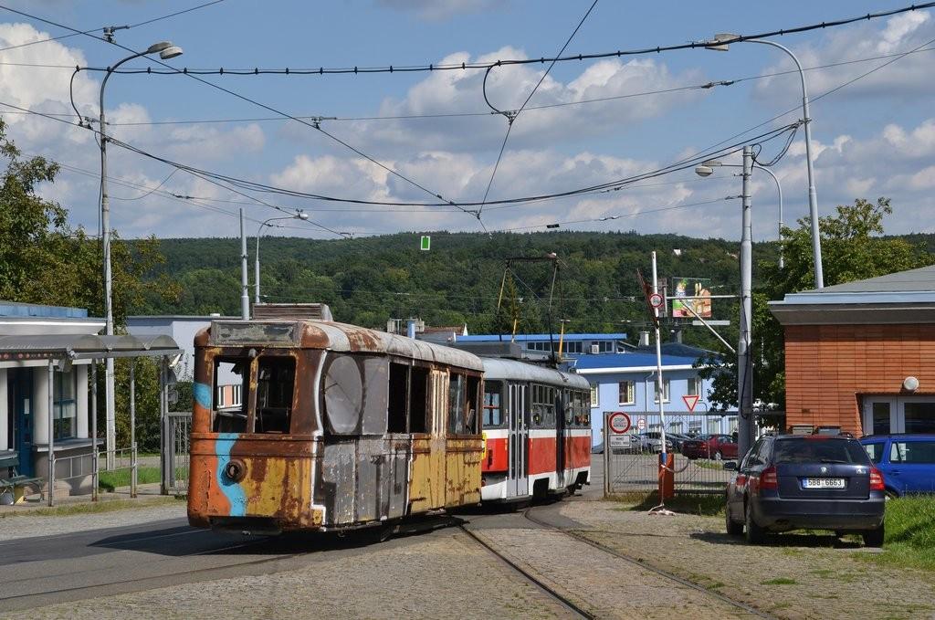 Fotogalerie » ČKD Tatra T3M 1592 | KPS Brno vv4 313 | Brno | vozovna Medlánky