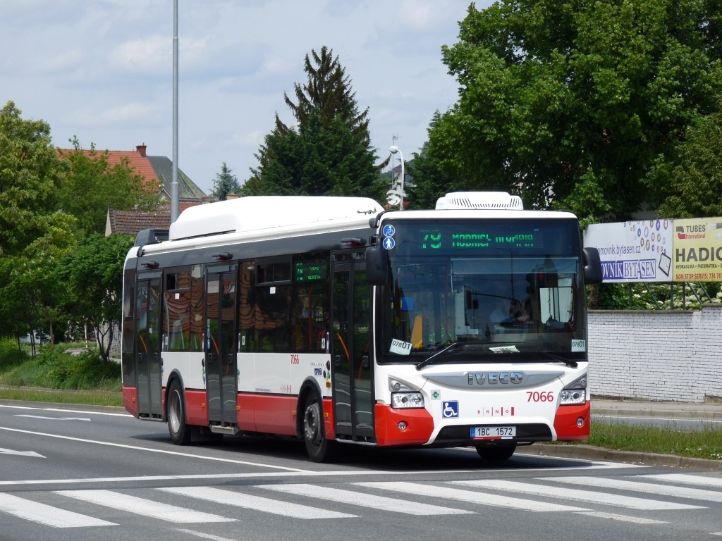 Fotogalerie » Iveco Urbanway 12M CNG 1BC 1572 7066 | Brno | Židenice | Gajdošova
