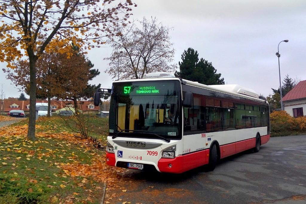 Fotogalerie » Iveco Urbanway 12M CNG 1BC 7549 7099 | Brno | Útěchov | Adamovská | Útěchov, smyčka