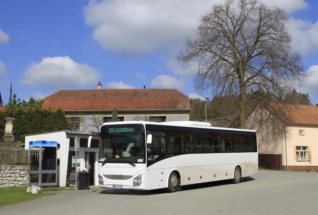 Fotogalerie » Iveco Crossway LINE 13M 5E2 9175 | Holštejn | Holštejn