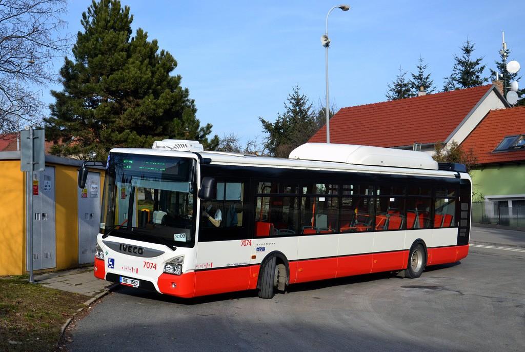 Fotogalerie » Iveco Urbanway 12M CNG 1BC 1580 7074 | Brno | Útěchov | Adamovská | Útěchov, smyčka