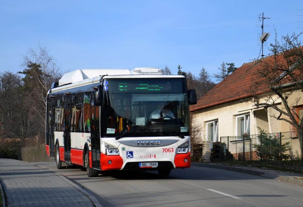 Fotogalerie » Iveco Urbanway 12M CNG 1BC 1569 7063 | Brno | Útěchov | Adamovská | Útěchov, smyčka