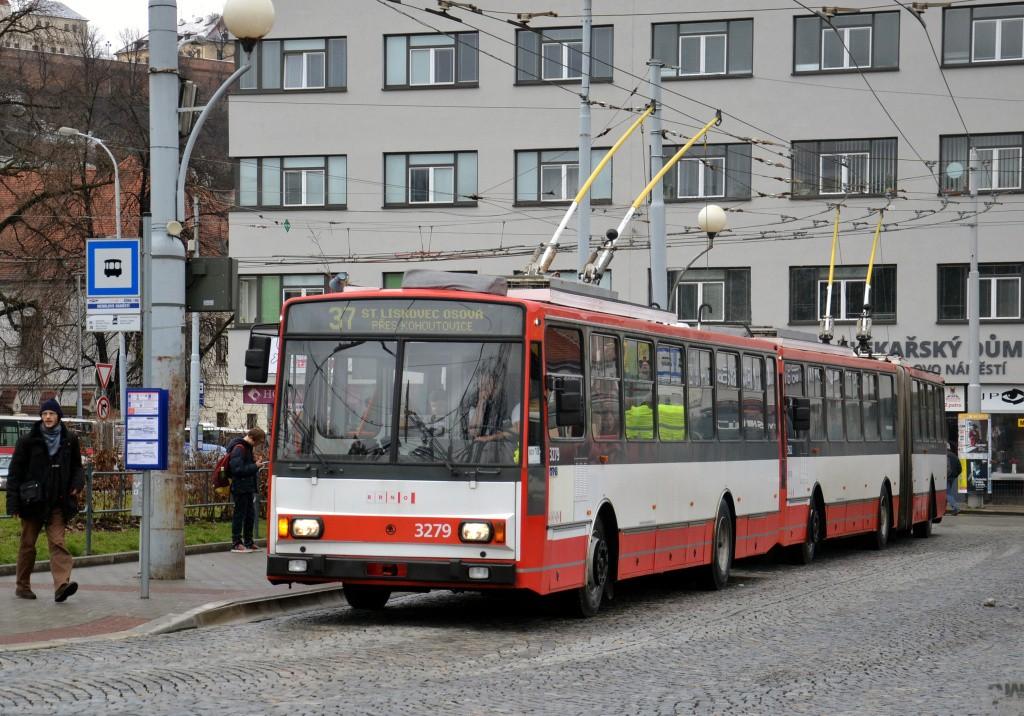 Fotogalerie » Škoda 14Tr17/6M 3279 | Brno | Staré Brno | Mendlovo náměstí | Mendlovo náměstí