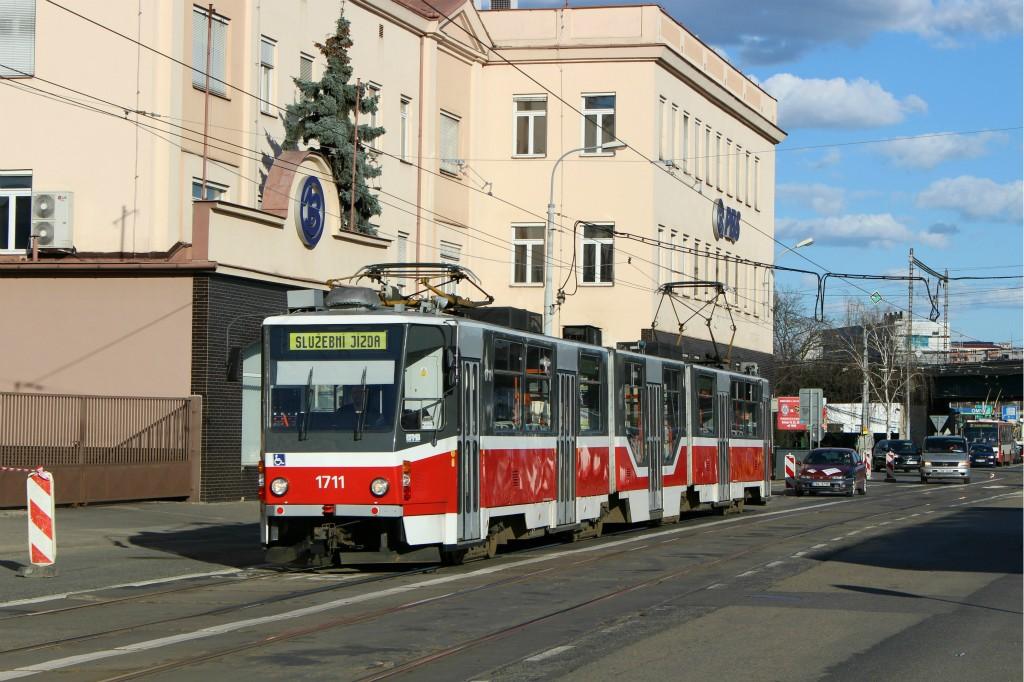 Fotogalerie » ČKD Tatra KT8D5R.N2 1711 | Brno | Černovice | Olomoucká