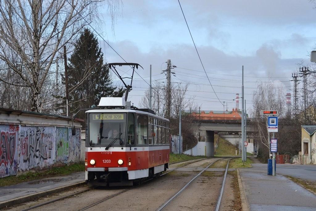 Fotogalerie » ČKD DS T6A5 1203 | Brno | Židenice | Nezamyslova | Židovský hřbitov