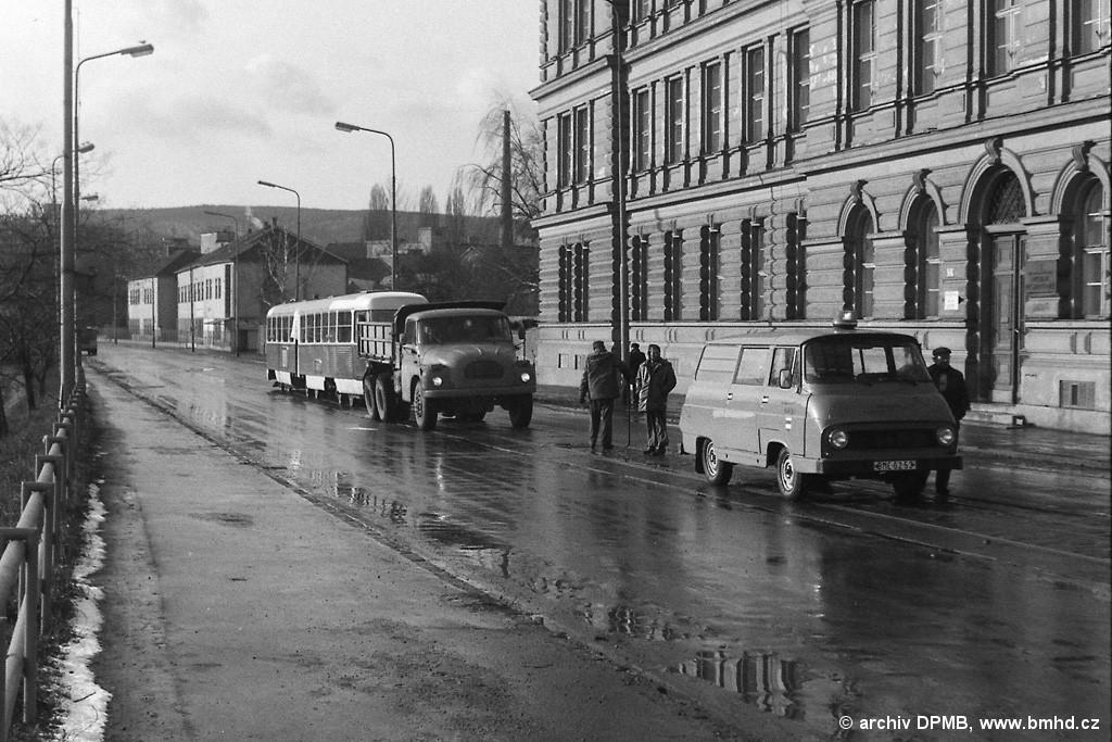 Fotogalerie » ČKD Tatra K2YU ? | Škoda Škoda 1203 COM BME 62-53 6046 | Tatra Tatra T 138 S3 BSA 86-86 5183 | Brno | Staré Brno | Poříčí