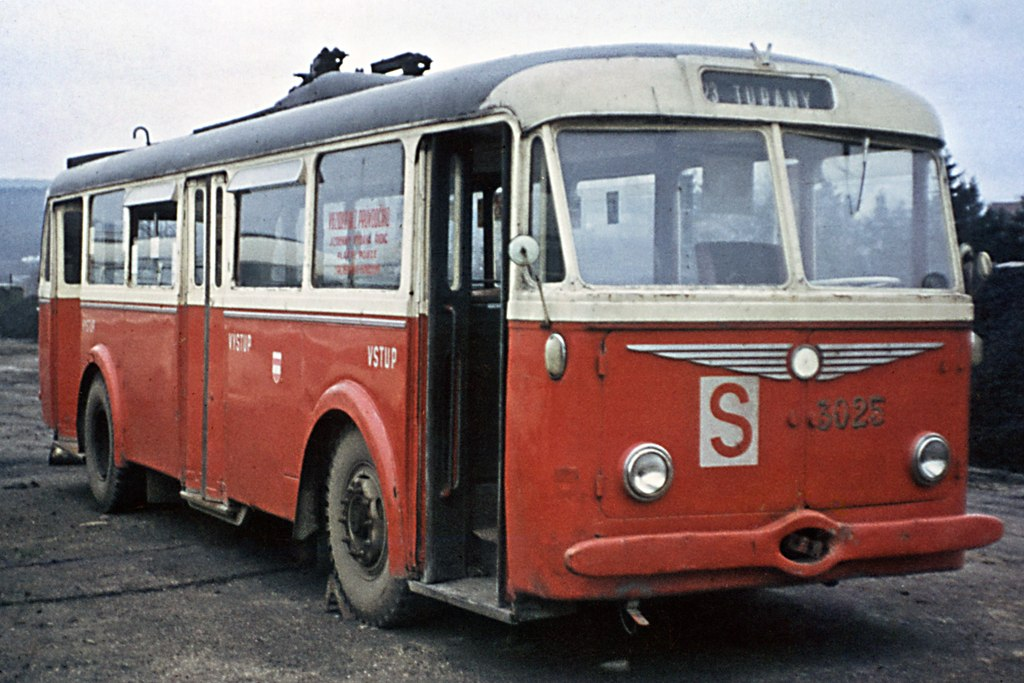 Fotogalerie » Škoda 7Tr4 3025   Brno   vozovna Medlánky
