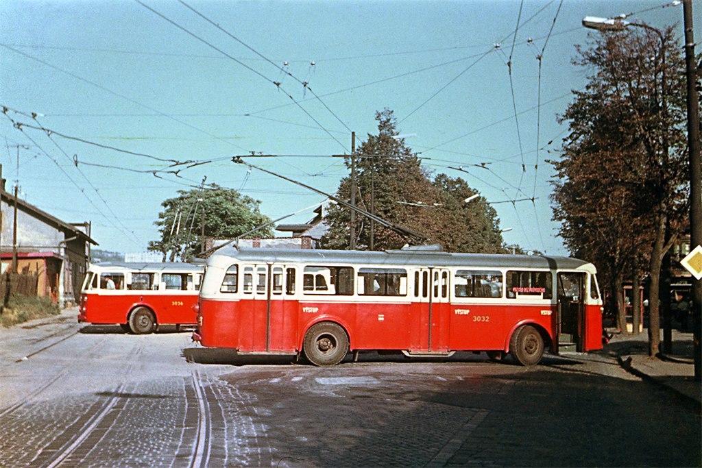 Fotogalerie » Škoda 8Tr3 3032 | Brno | Černovice | Olomoucká | Nádraží Černovice