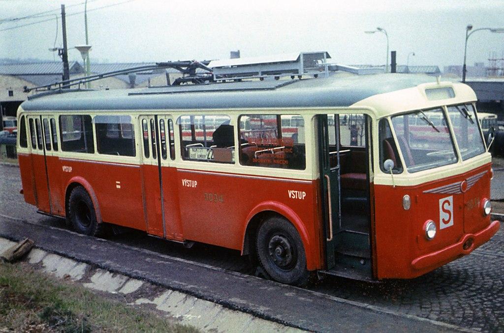 Fotogalerie » Škoda 8Tr5 3034 | Brno | vozovna Medlánky