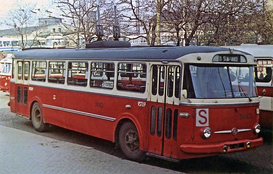 Fotogalerie » Škoda 9Tr2 3043 | Brno | střed | Benešova | Hlavní nádraží, smyčka