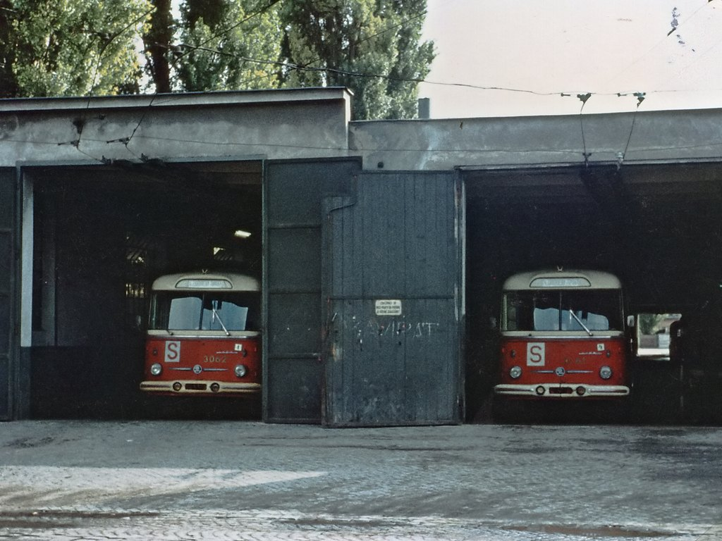 Fotogalerie » Škoda 9Tr15 3061 | Škoda 9Tr15 3062 | Brno | Husovice | Dačického | Vozovna Husovice