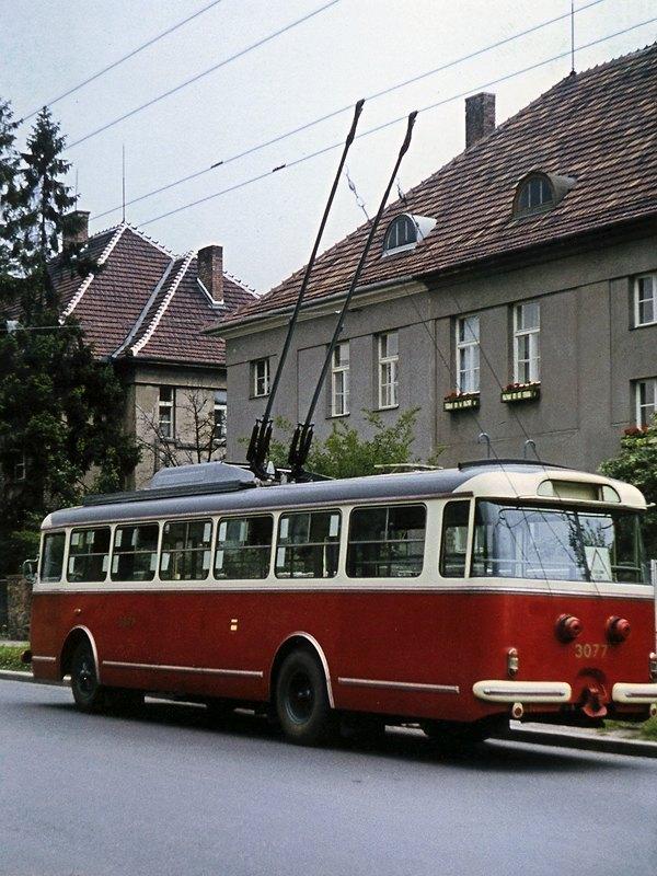 Fotogalerie » Škoda 9Tr17 3077   Brno   Královo Pole   Charvatská