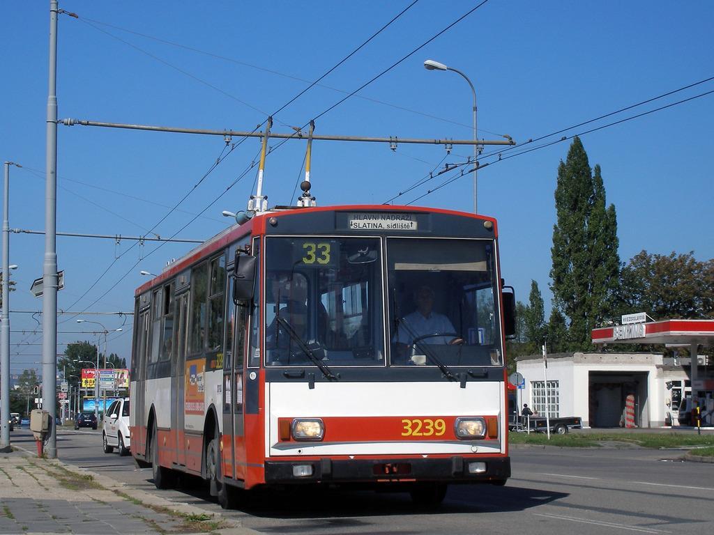 Fotogalerie » Škoda 14Tr10/6 3239 | Brno | Slatina | Hviezdoslavova