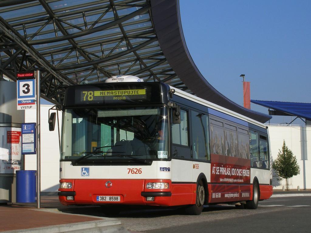 Fotogalerie » Irisbus Citybus 12M 2071.40 7626 | Modřice | Modřice, Olympia
