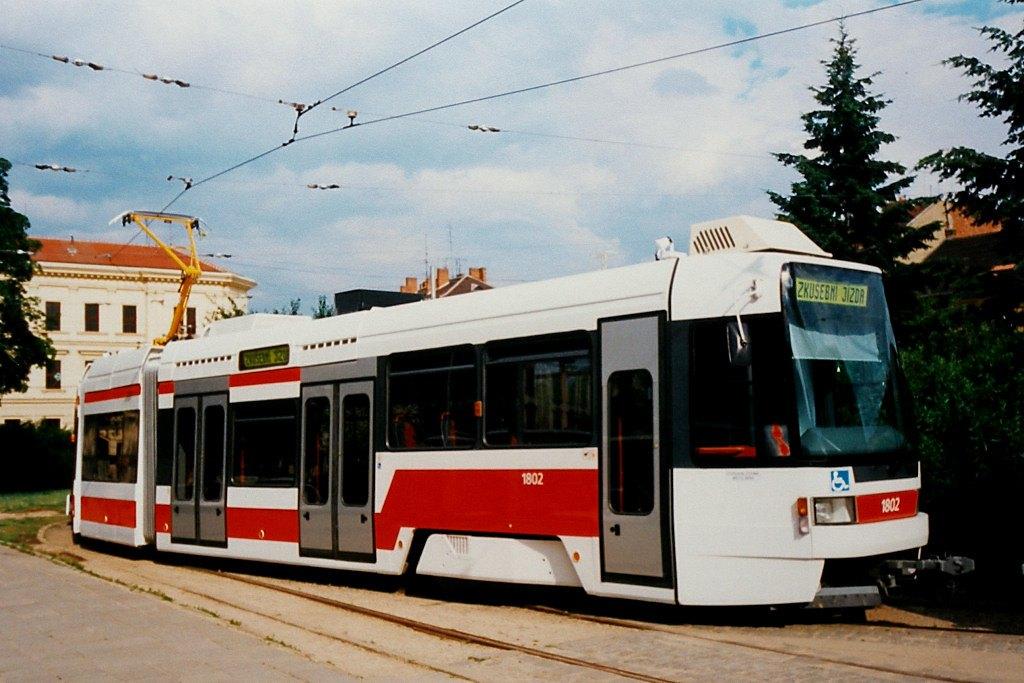 Fotogalerie » ČKD DS RT6N1 1802 | Brno | Staré Brno | Mendlovo náměstí | Mendlovo náměstí, smyčka