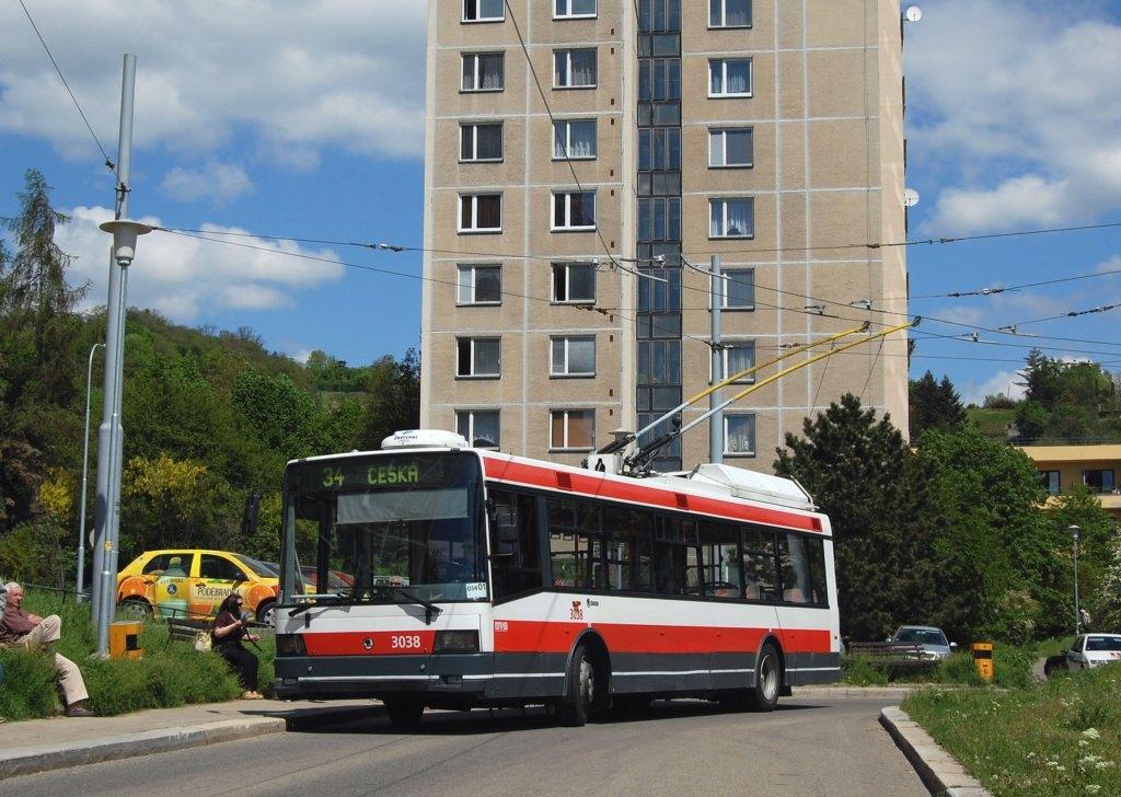 Fotogalerie » Škoda 21Tr 3038 | Brno | Žabovřesky | Vychodilova | Vychodilova, smyčka