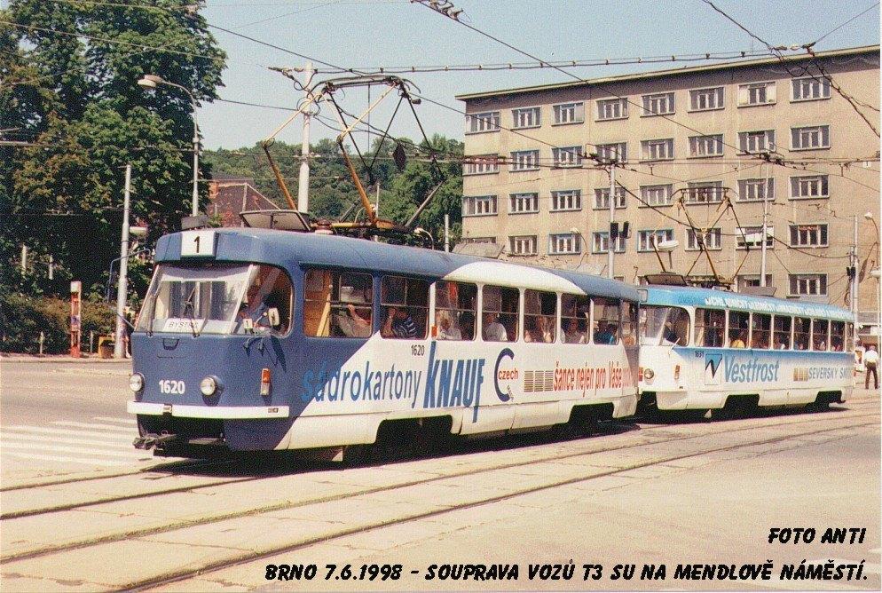 Fotogalerie » ČKD Tatra T3SUCS 1620 | ČKD Tatra T3SUCS 1631 | Brno | Staré Brno | Mendlovo náměstí | Mendlovo náměstí
