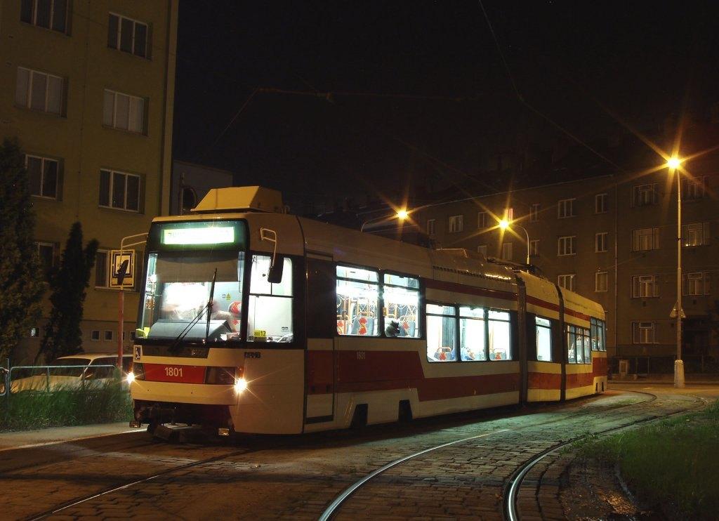 Fotogalerie » ČKD DS RT6N1 1801 | Brno | Černá Pole | Merhautova | Štefánikova Čtvrť, smyčka
