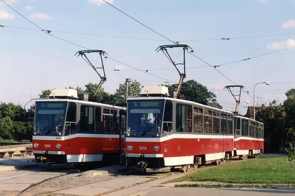 Fotogalerie » ČKD DS T6A5 1205 | ČKD DS T6A5 1213 | Brno | Masarykova čtvrť | Náměstí míru | Náměstí Míru, smyčka