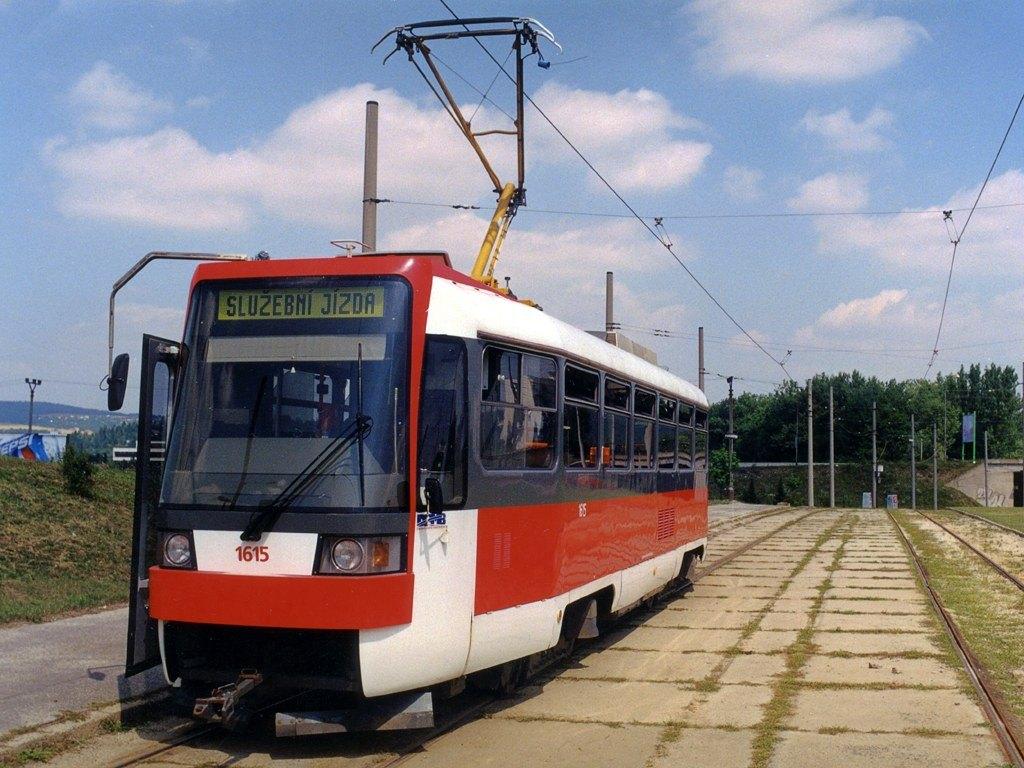 Fotogalerie » ČKD DS T3R 1615 | Brno | Bystrc | Rakovecká, smyčka
