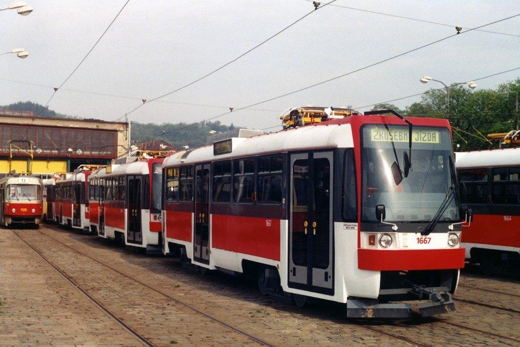 Fotogalerie » ČKD DS T3R 1667 | Brno | Pisárky | Vozovna Pisárky