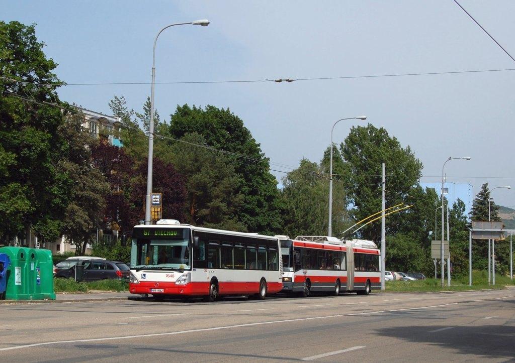 Fotogalerie » Irisbus Citelis 12M 7648 | Škoda 22Tr 3604 | Brno | Černá Pole | Provazníkova | Merhautova