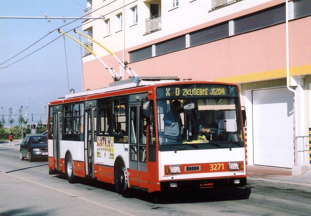 Fotogalerie » Škoda 14Tr17/6M 3271 | Brno | Vinohrady | Pálavské náměstí