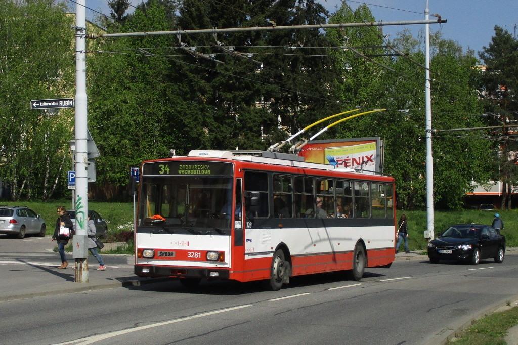 Fotogalerie » Škoda 14Tr17/6M 3281 | Brno | Žabovřesky | Makovského náměstí