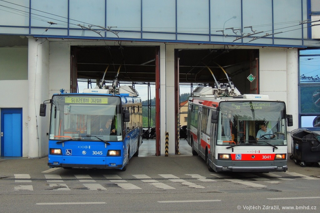 Fotogalerie » Škoda 21Tr 3045 | Škoda 21TrIGCT 3041 | Brno | Komín | vozovna Komín