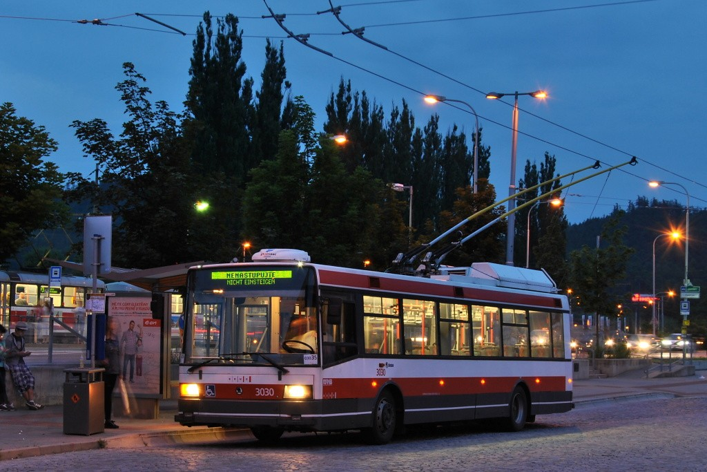 Fotogalerie » Škoda 21Tr 3030 | Brno | Bystrc | Obvodová | Zoologická zahrada