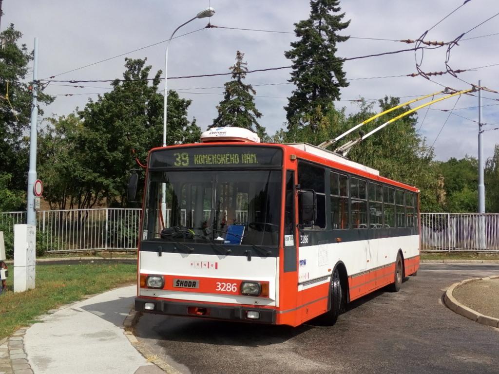 Fotogalerie » Škoda 14Tr17/6M 3286 | Brno | Masarykova čtvrť | Barvičova | Barvičova