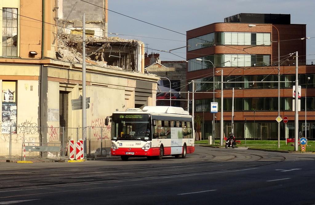 Fotogalerie » Irisbus Citelis 12M CNG 9B7 9156 7007 | Brno | Trnitá | Dornych