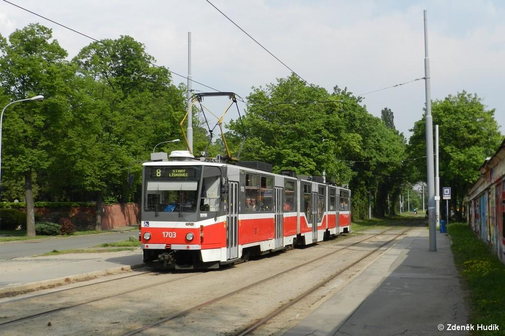 Fotogalerie » ČKD Tatra KT8D5R.N2 1703 | Brno | Židenice | Nezamyslova | Židovský hřbitov