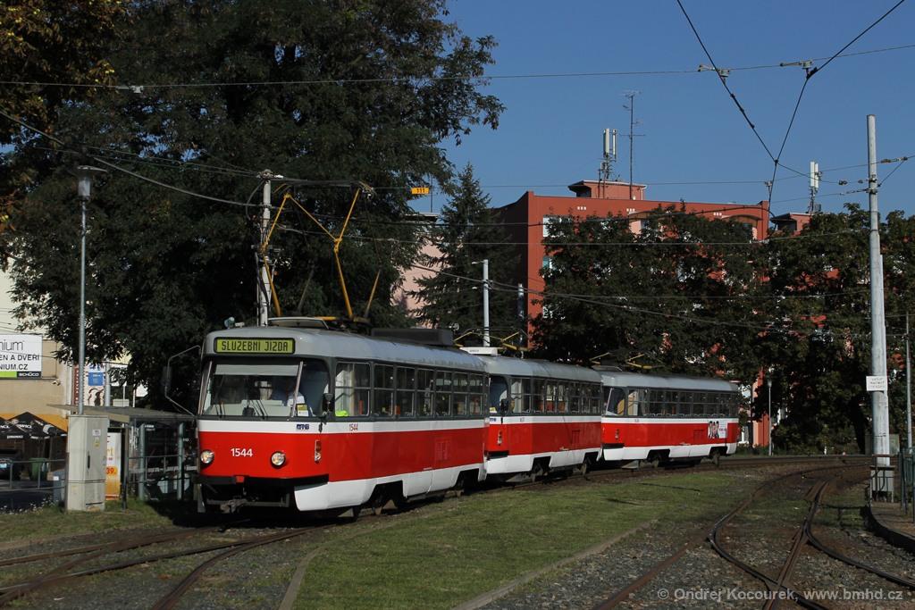 Fotogalerie » ČKD Tatra T3M 1544 | ČKD Tatra T3G 1637 | ČKD Tatra T3G 1638 | Brno | Pisárky | Hlinky