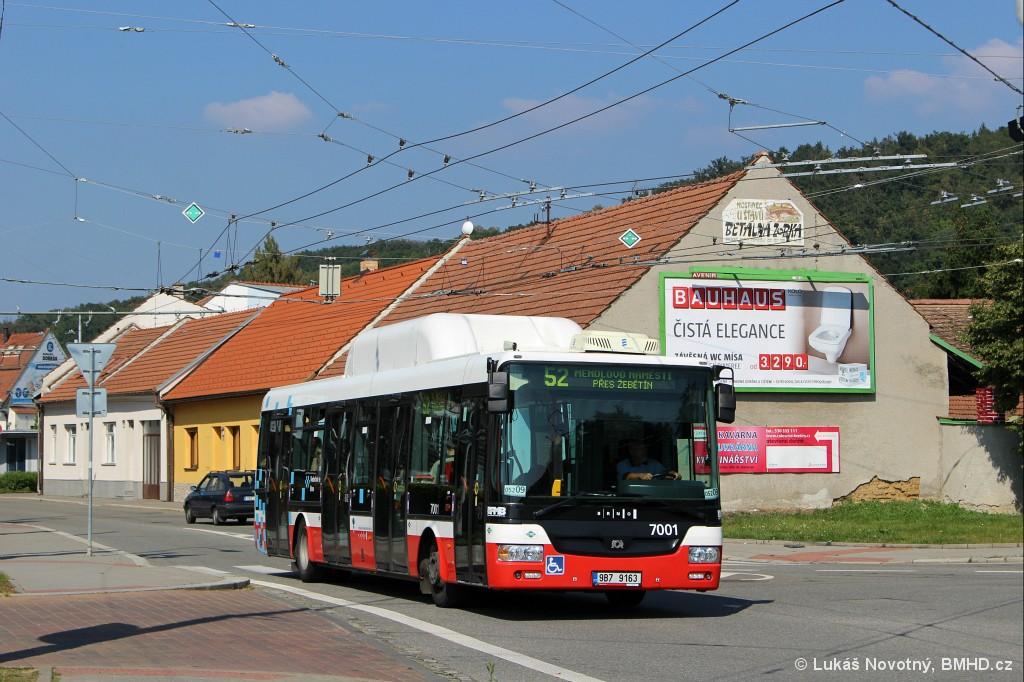 Fotogalerie » SOR NBG 12 9B7 9163  7001   Brno   Bystrc   náměstí 28. dubna