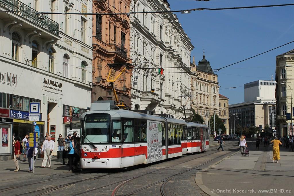 Fotogalerie » Pragoimex VarioLF2R.E 1101 | Pragoimex VarioLFR.E 1596 | Brno | střed | Malinovského náměstí | Malinovského náměstí