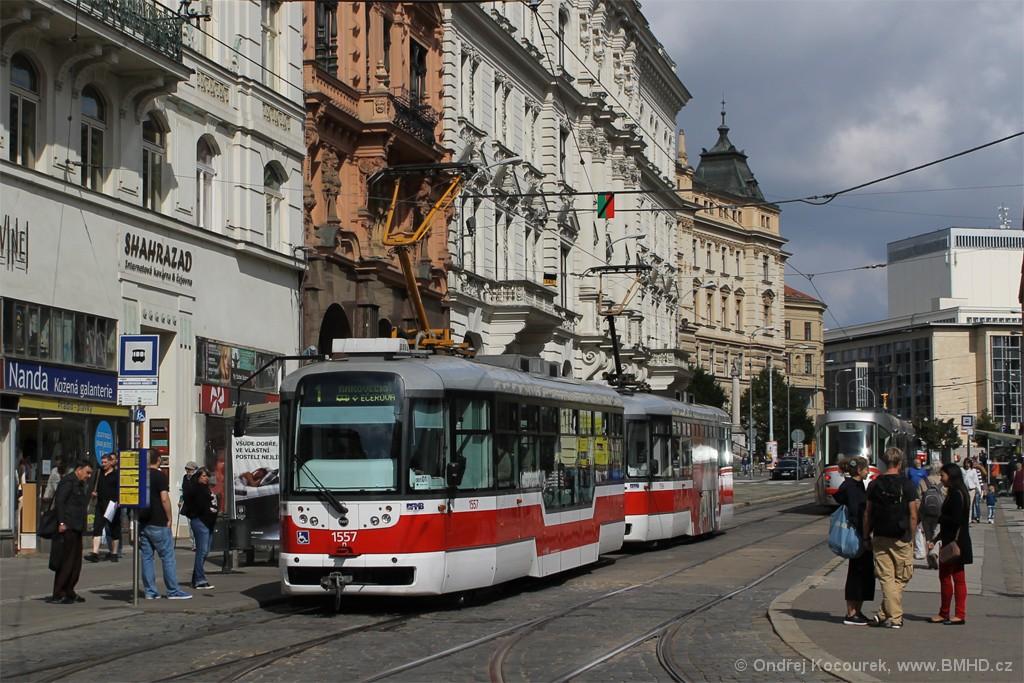 Fotogalerie » Pragoimex VarioLFR.E 1557 | Pragoimex VarioLFR.E 1596 | Brno | střed | Malinovského náměstí | Malinovského náměstí