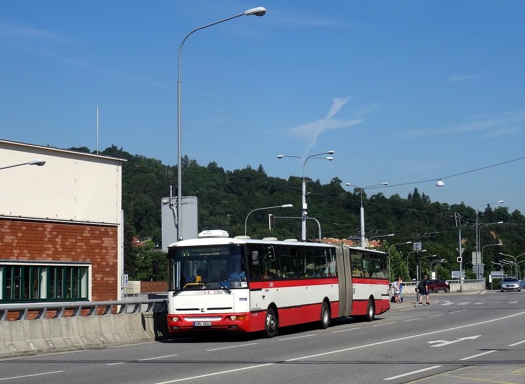 Fotogalerie » Karosa B961E.1970 6B6 6824 2389 | Brno | Pisárky | Bauerova