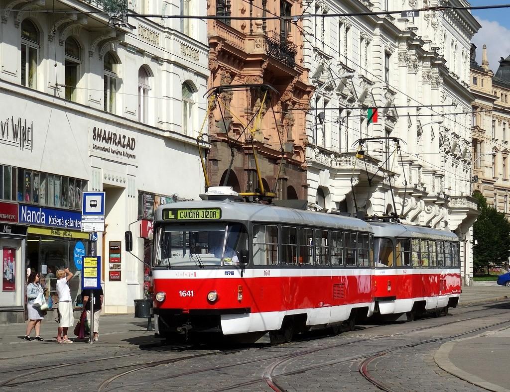 Fotogalerie » ČKD Tatra T3G 1641 | ČKD Tatra T3G 1642 | Brno | střed | Rooseveltova | Malinovského náměstí