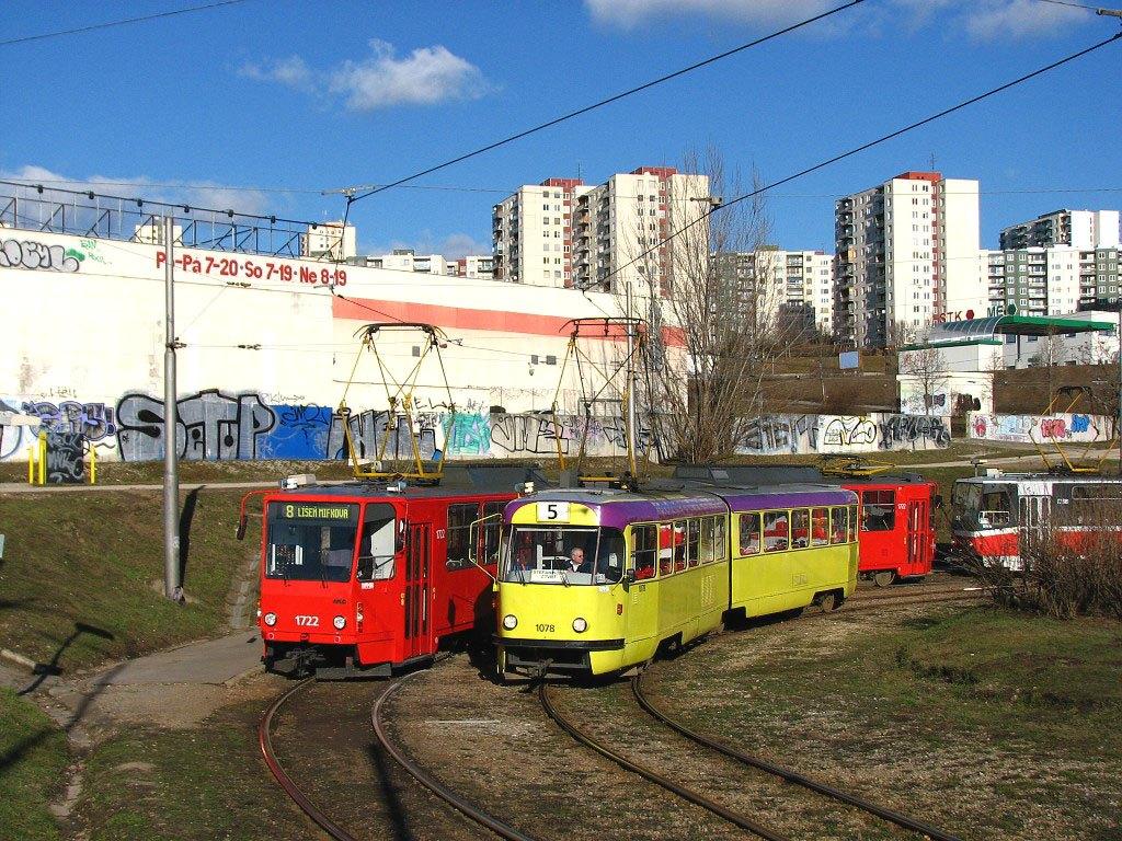 Fotogalerie » ČKD Tatra K2 1078 | ČKD Tatra KT8D5 1722 | Brno | Starý Lískovec | Starý Lískovec, smyčka