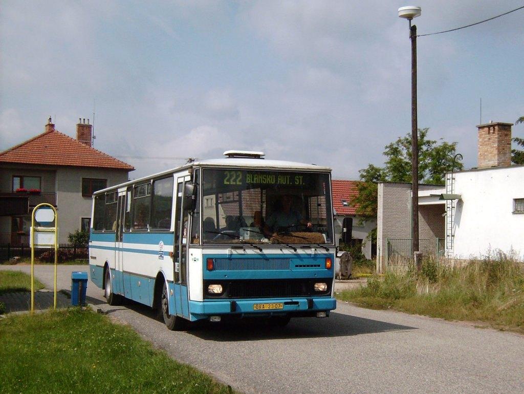 Fotogalerie » Karosa C734 BKA 23-07 | Blansko | Klepačov | Na Milíři | Klepačov, točna