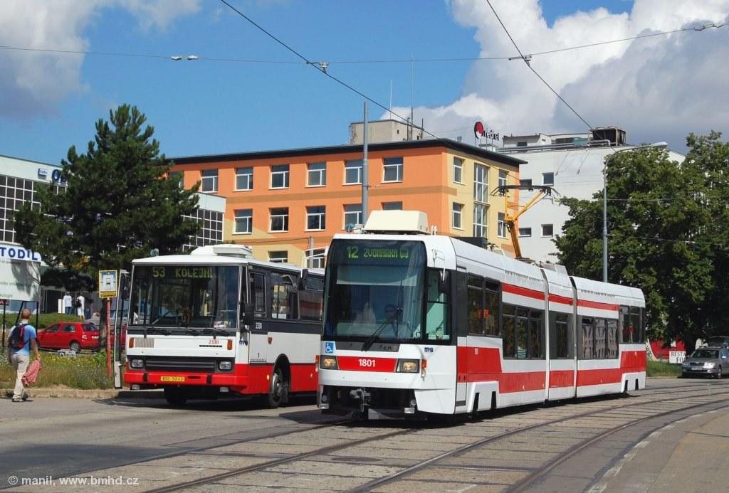 Fotogalerie » ČKD DS RT6N1 1801 | Karosa B741.1924 2330 | Brno | Královo Pole | Purkyňova | Červinkova