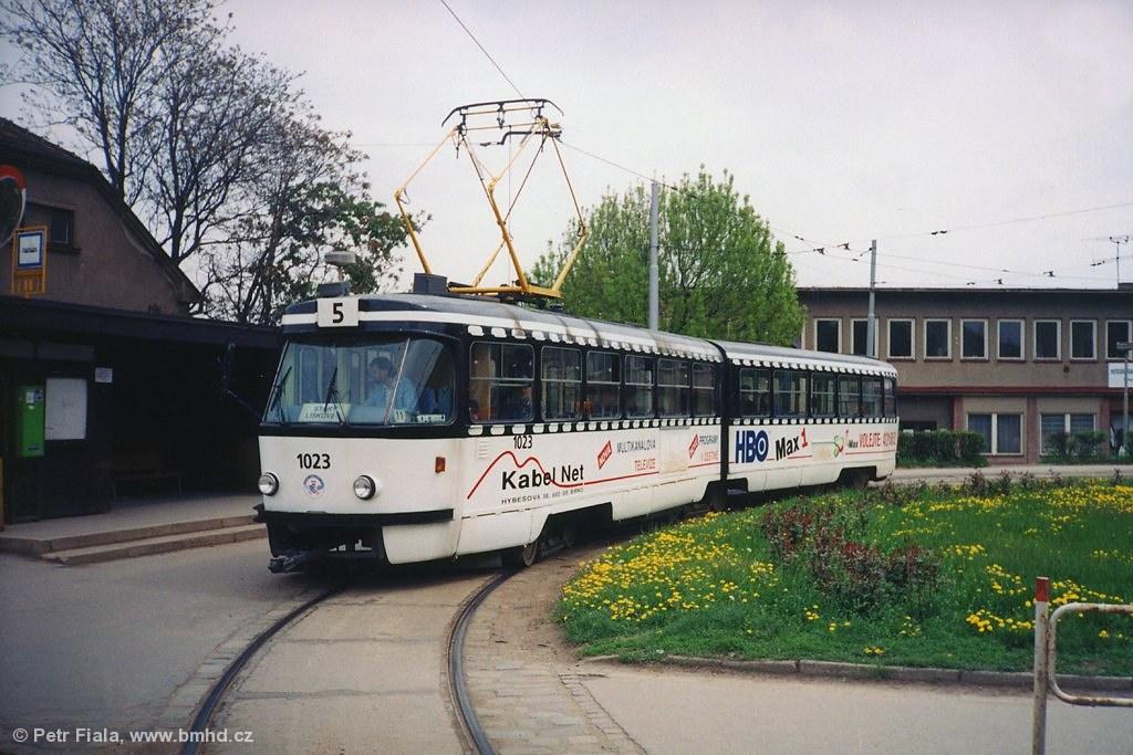 Fotogalerie » ČKD Tatra K2 1023 | Brno | Černá Pole | Merhautova | Štefánikova čtvrť, smyčka